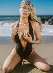 sexy Beach Bum - ViberEscorts